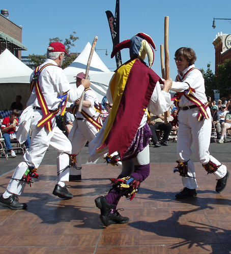The Maroon Bells Morris Dancers - Performing the Adderbury morris dance 'Skirmishes'